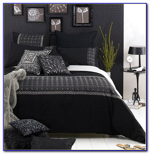 Black And White Wall Decor Bedroom