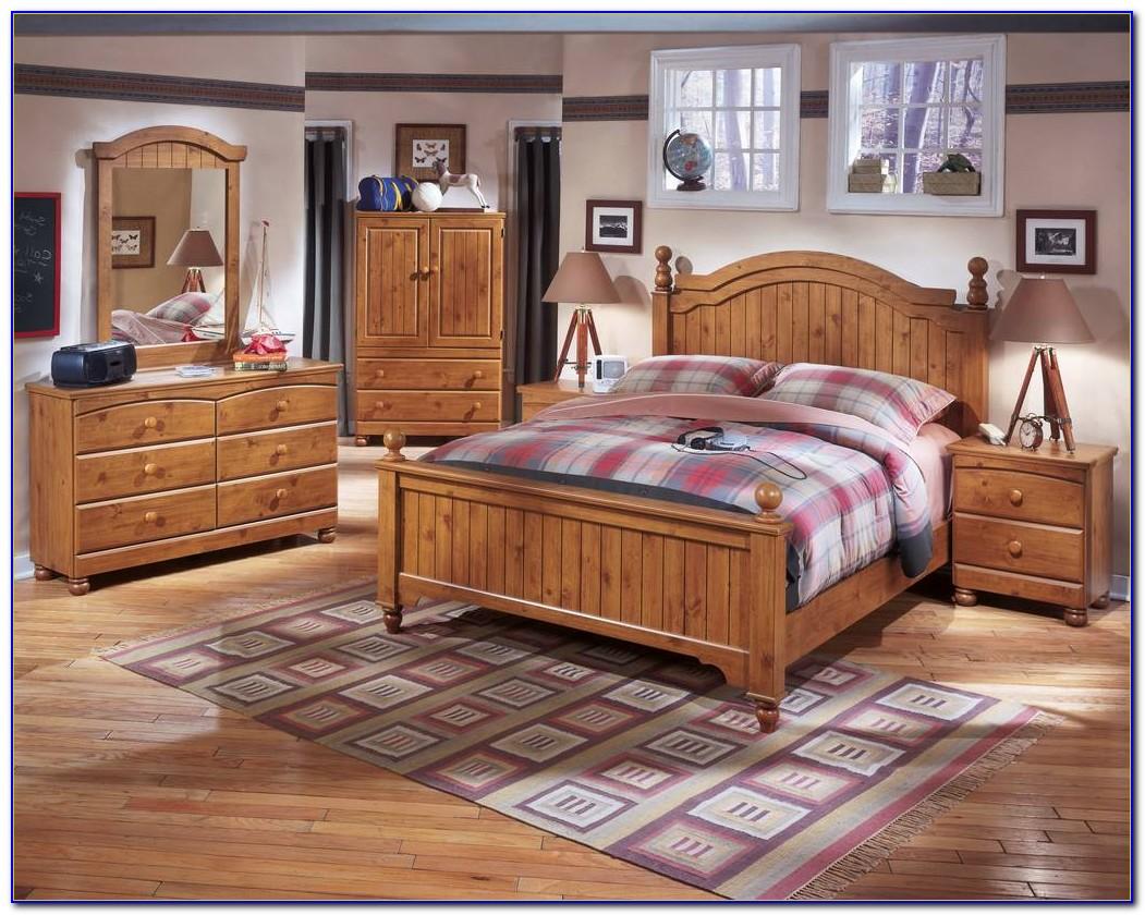 Chatham Natural Wood Bedroom Set