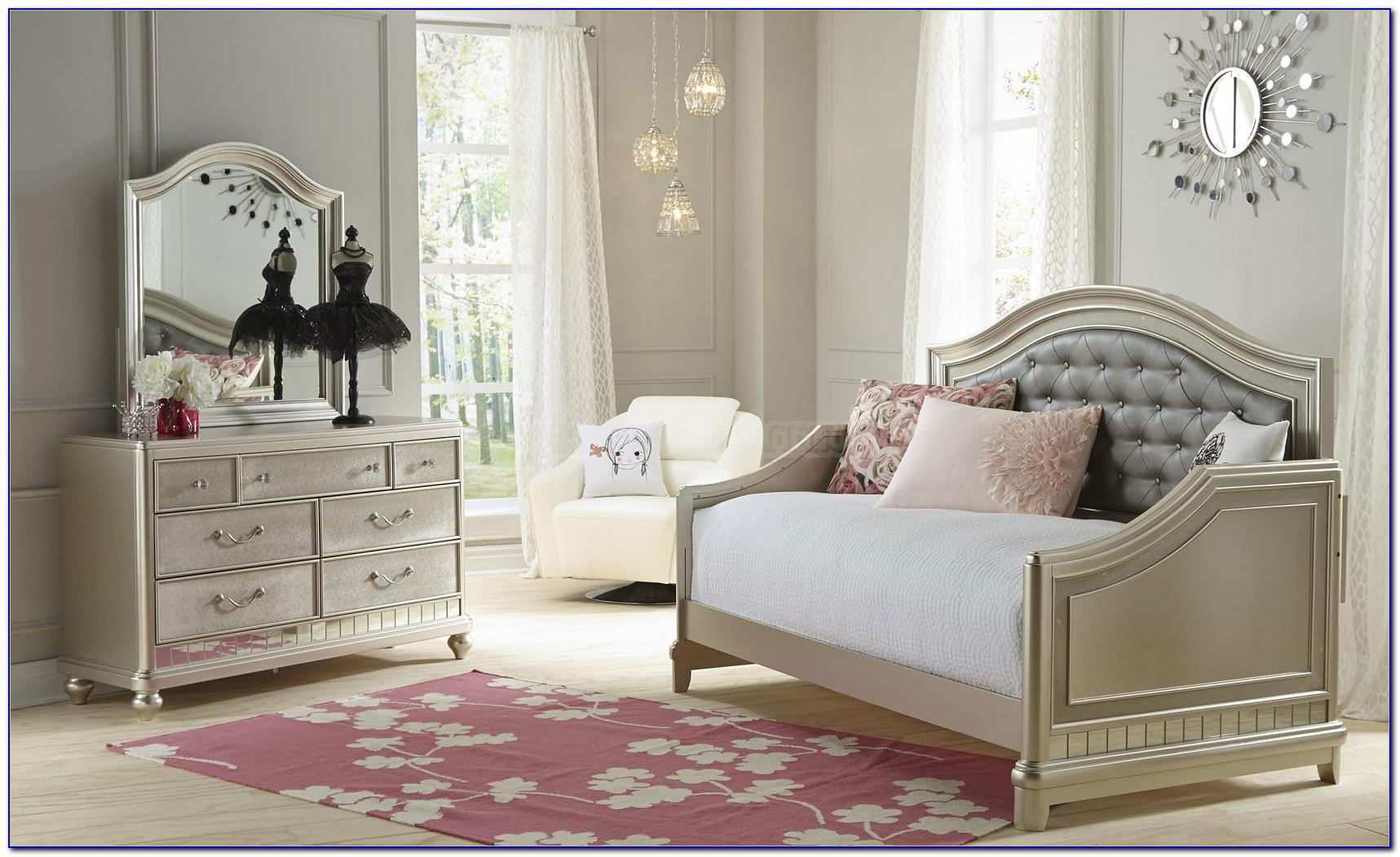 Daybed Bedroom Furniture Sets
