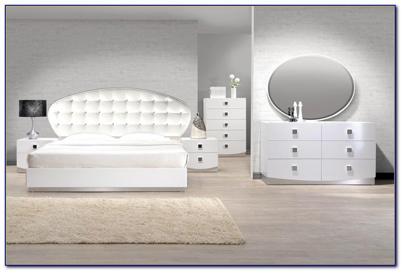 Italian White Lacquer Bedroom Furniture