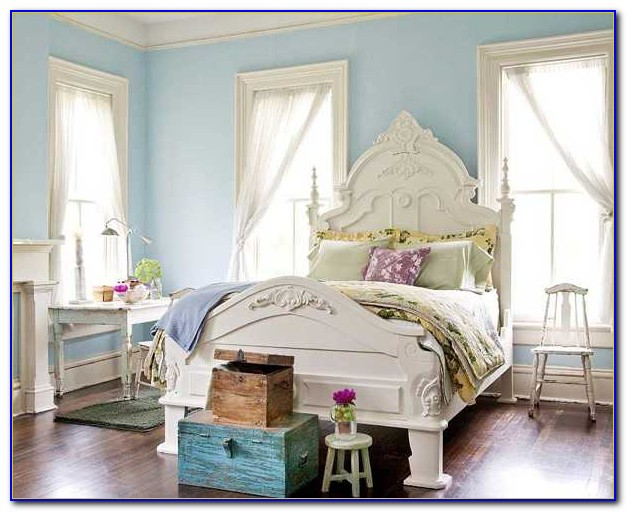 Light Blue Room Decor