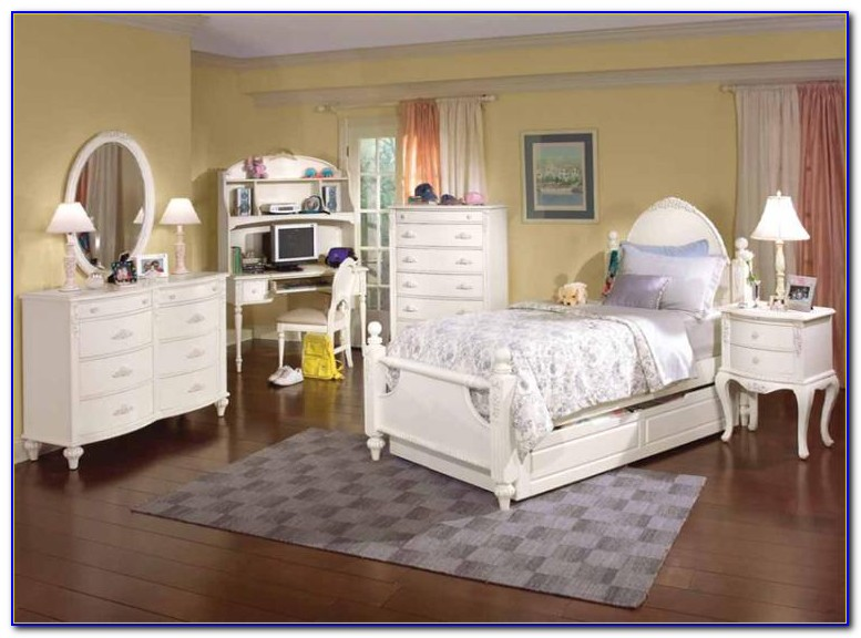 White Distressed Bedroom Set