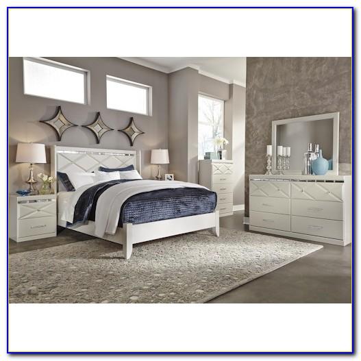 Ashley Furniture Signature Design Bedroom Set