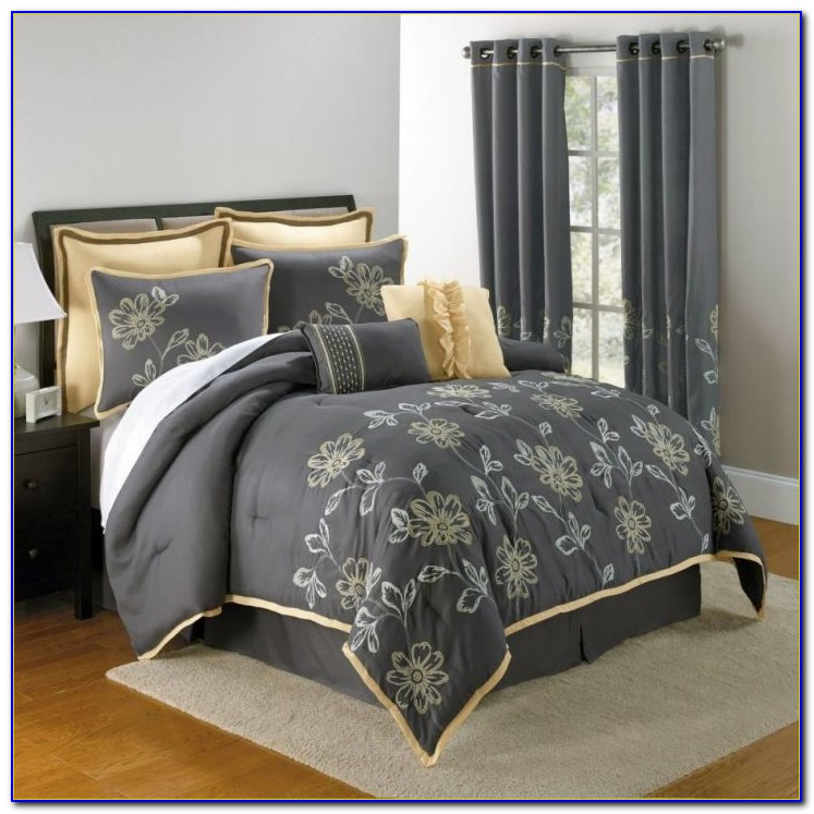 Bed Quilts And Matching Curtains
