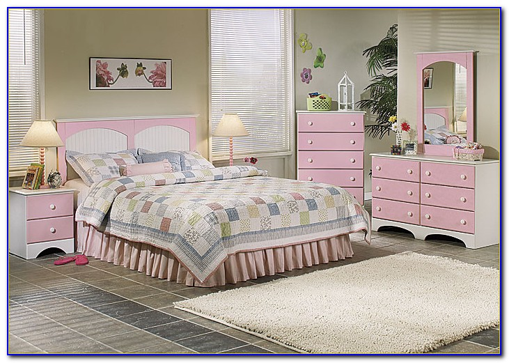 Country Corner White Bedroom Furniture