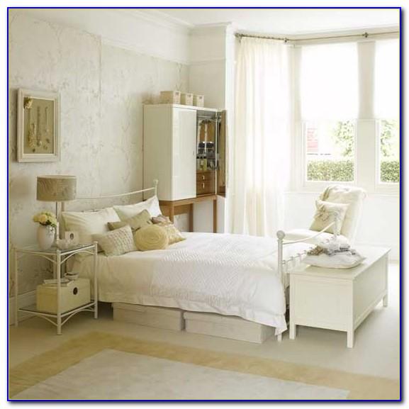 Elegant White Bedroom Furniture