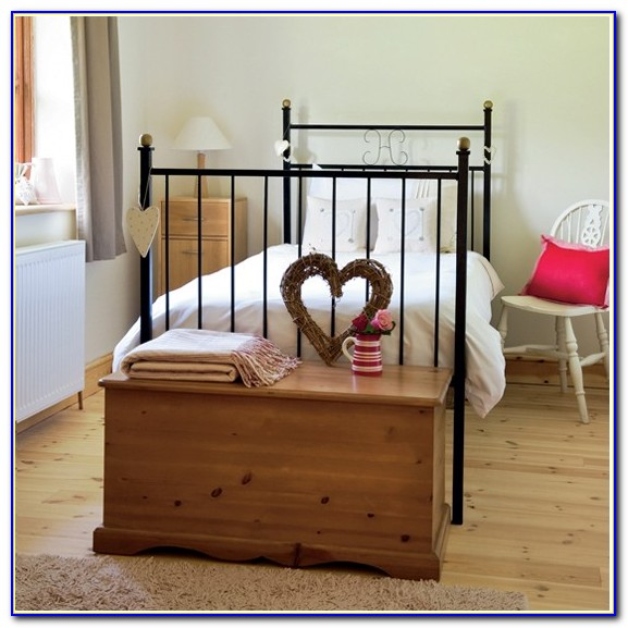 Lexington Country Cottage Bedroom Furniture