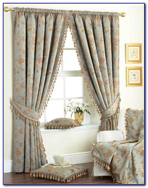 Small Bedroom Window Curtain Ideas