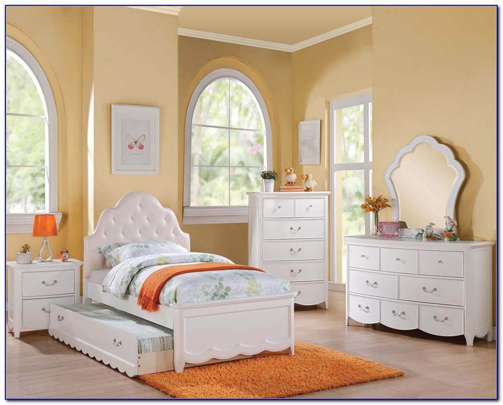Teenage Girl Room Setup