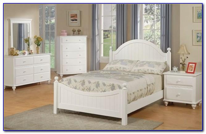 White Pine Bedroom Furniture Set