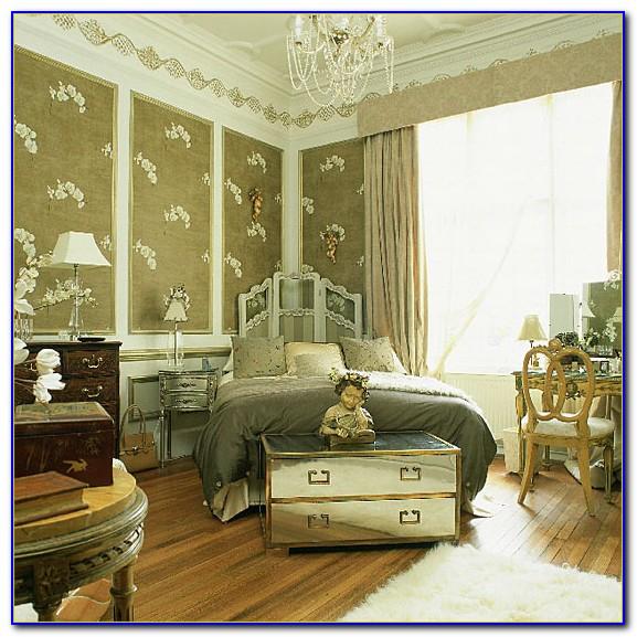 Antique Style Cream Bedroom Furniture