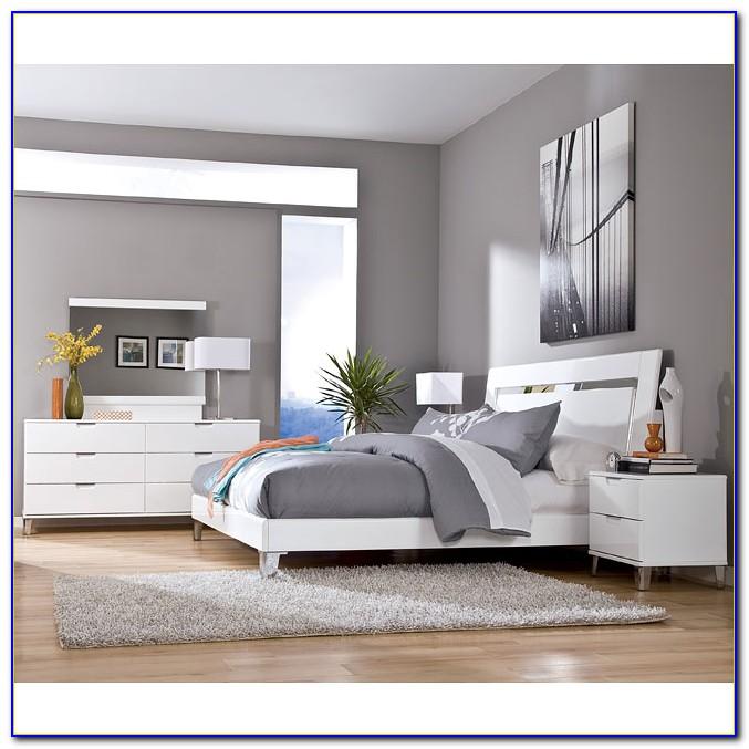 Ashley Furniture Antique White Bedroom Set