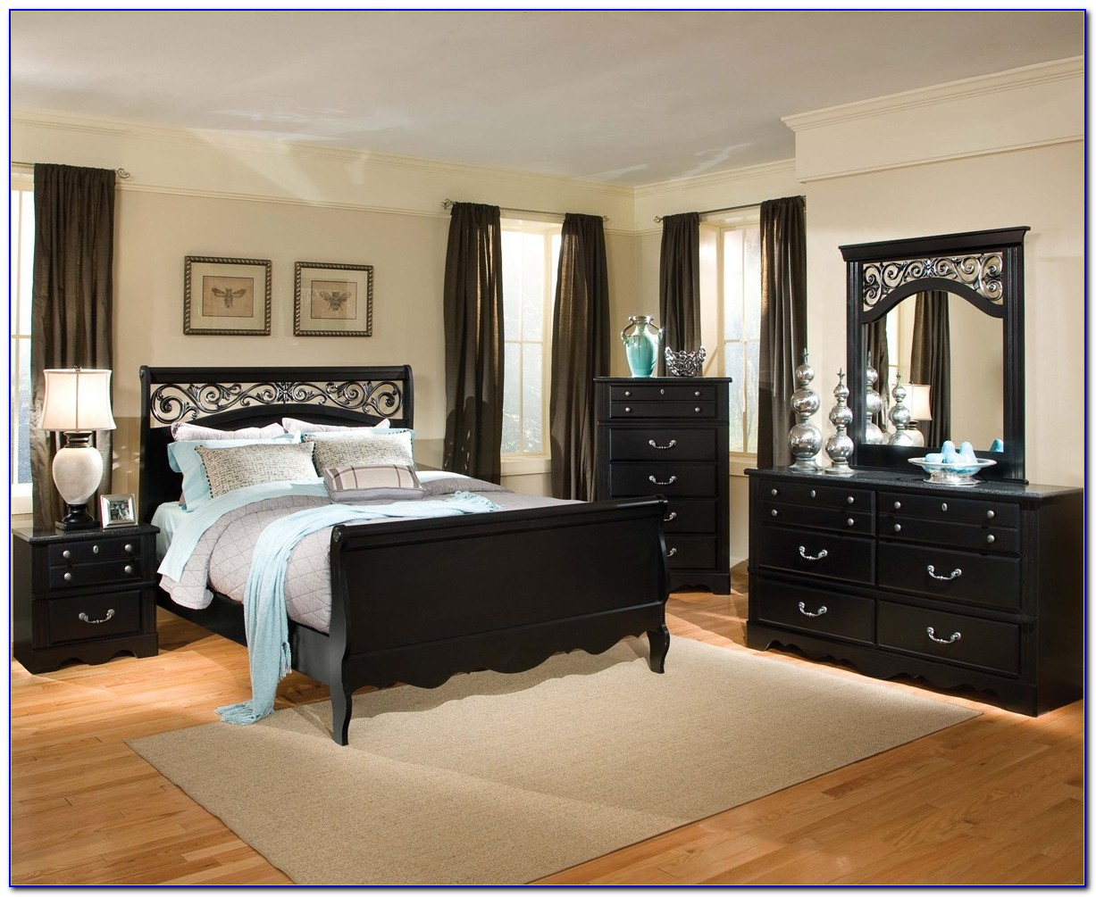 Bedroom Sets Black And White