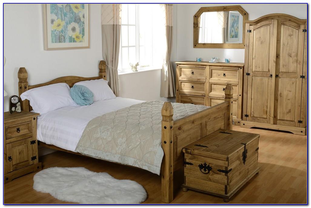 Broyhill Solid Pine Bedroom Set