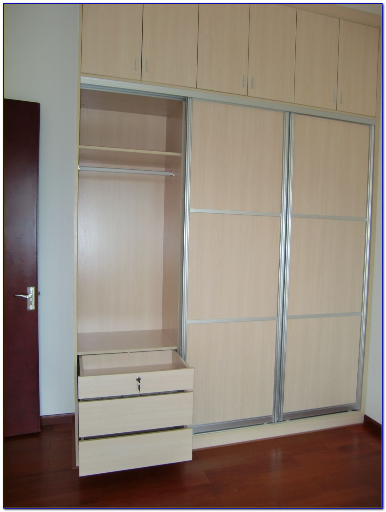 King Bedroom Set With Wardrobe