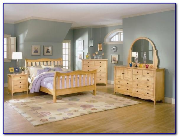 Light Maple Wood Bedroom Furniture