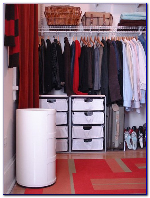 Organize A Small Closet Space