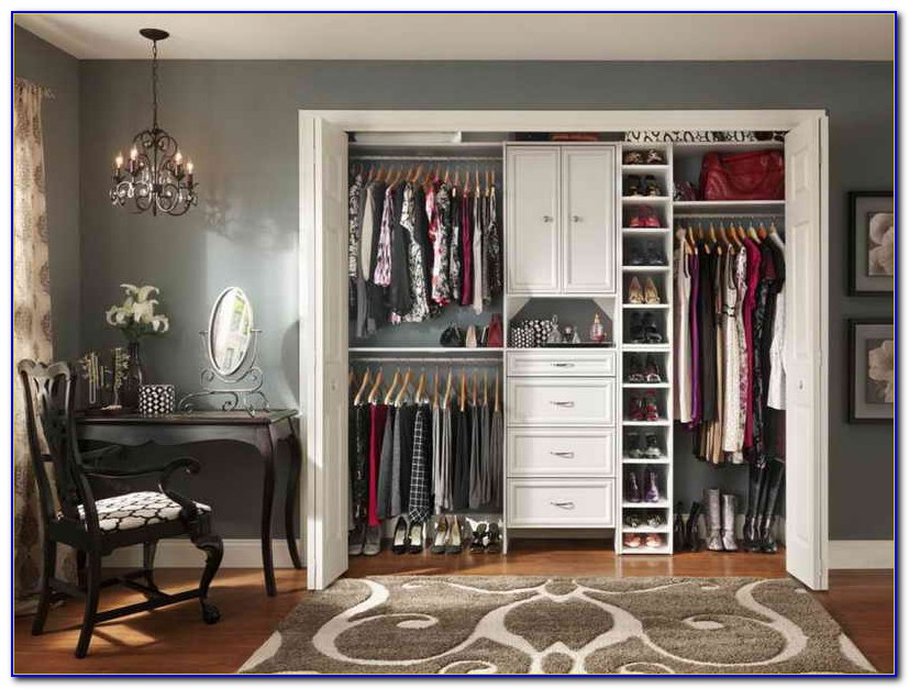 Organizing A Small Closet Space