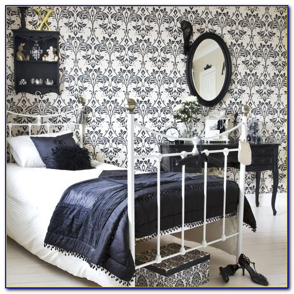 Purple Black And White Damask Bedroom