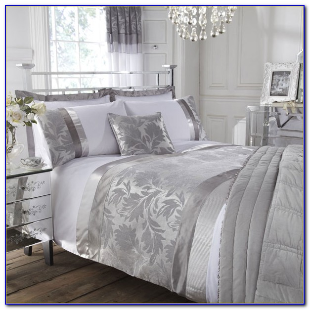 White And Silver Bedroom Accessories