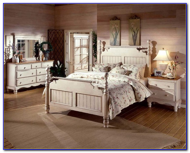 White Antique Style Bedroom Furniture