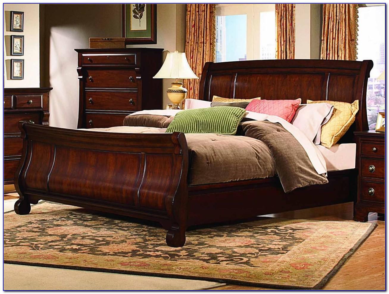 Ledelle Sleigh Queen Bedroom Set