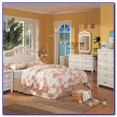 Santa Cruz Wicker Bedroom Furniture