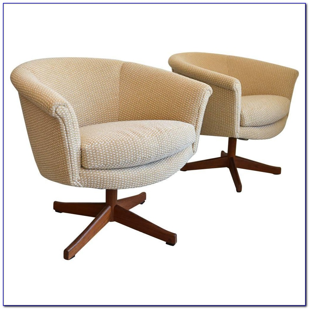Coaster Round Back Swivel Chair White
