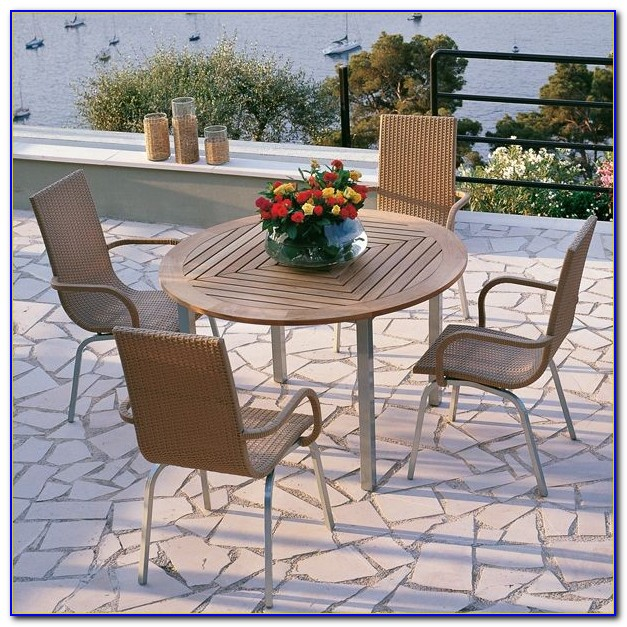 Outdoor Tables And Chairs With Umbrella