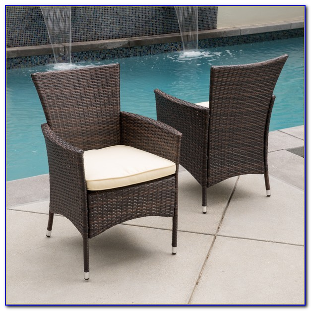 Outdoor Wicker Dining Set With Bench