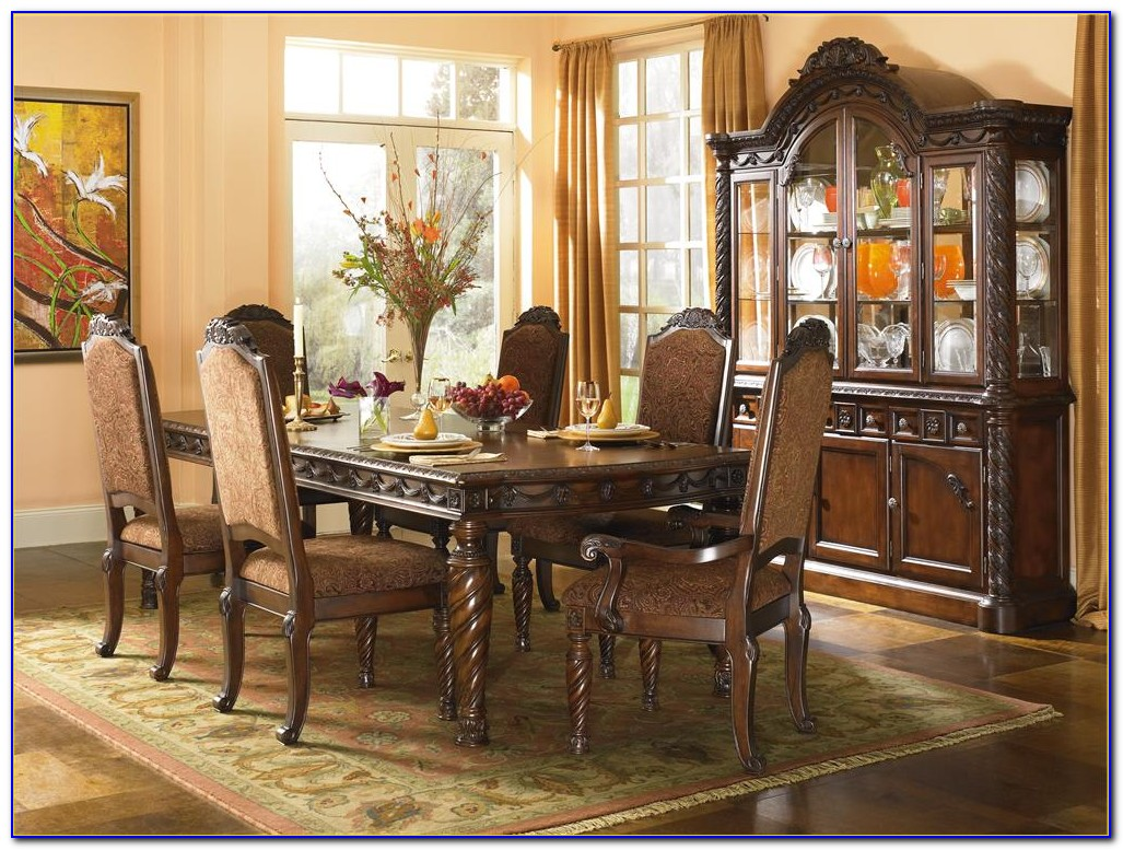 Rooms To Go Noah Dining Set