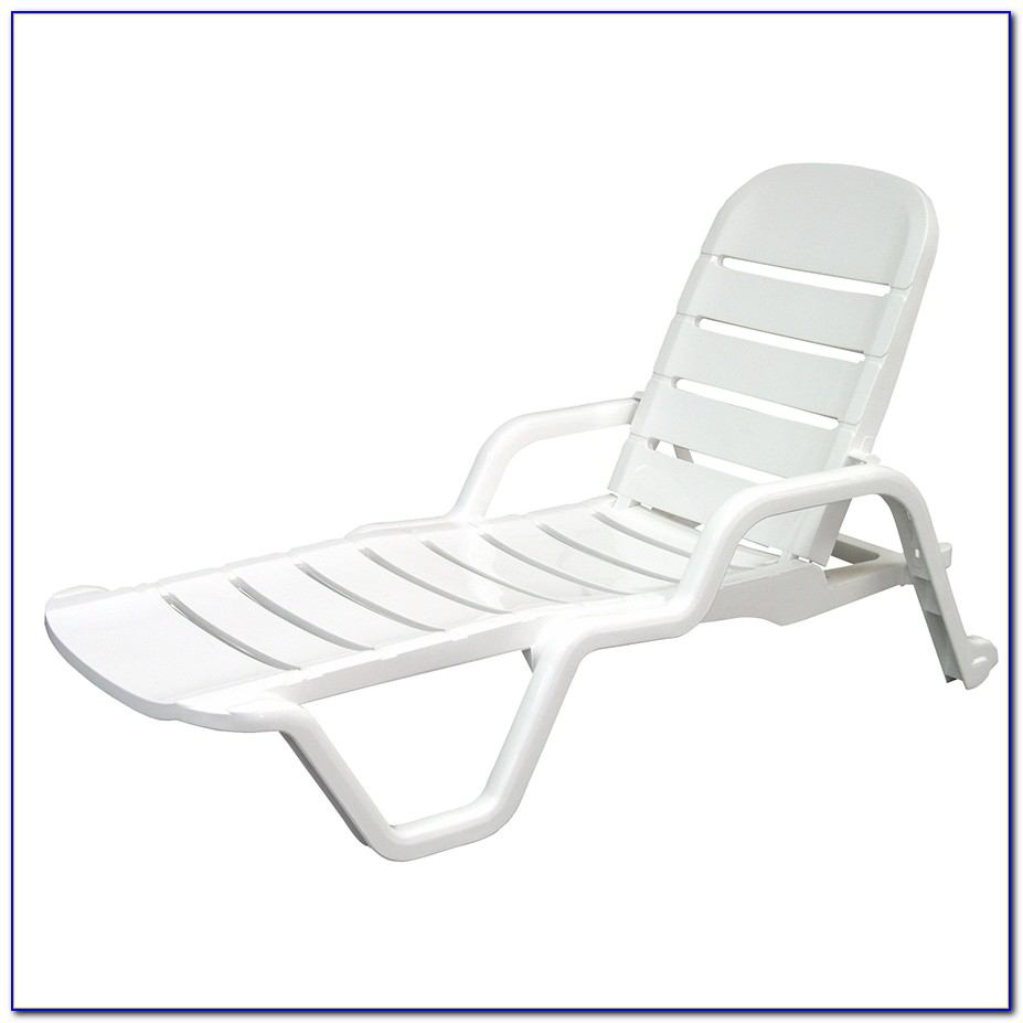 White Resin Lounge Chairs