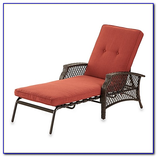 Antique Wicker Chaise Lounge Chair