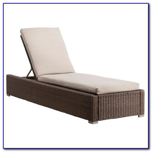 Berkley Jensen Wicker Chaise Lounge Chair