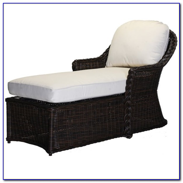 Black Wicker Chaise Lounge Chairs