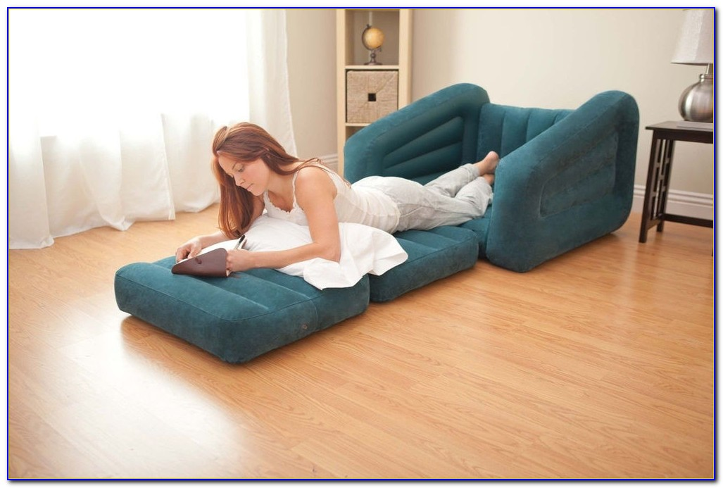 Club Chair Pull Out Bed