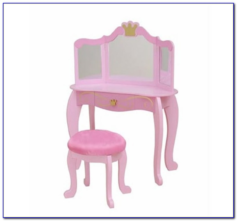 Little Girl Round Table And Chairs