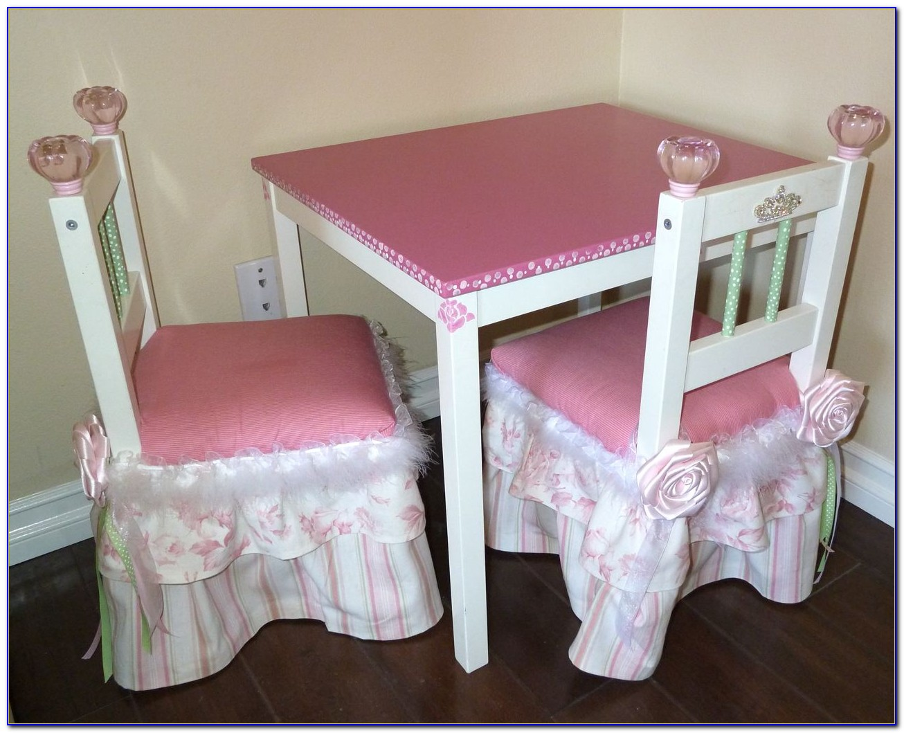 Little Girl Tea Table And Chairs
