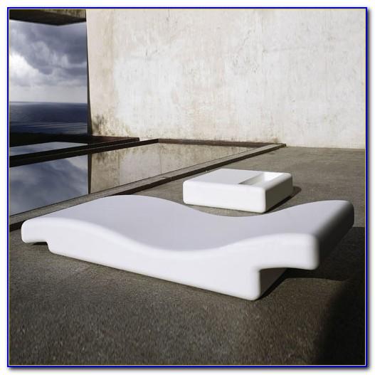 Mid Century Modern Outdoor Lounge Chair