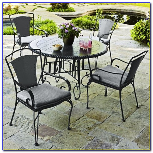 Outdoor Wicker Patio Table And Chairs