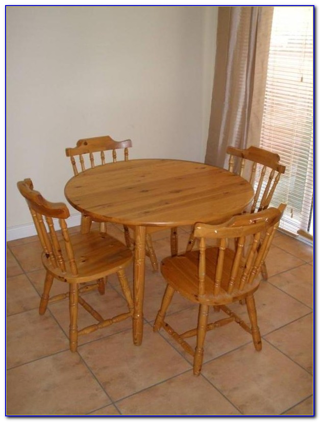 Small Round Glass Table And Chairs