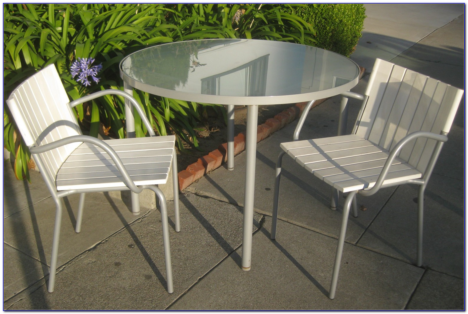 Small Wooden Patio Table And Chairs