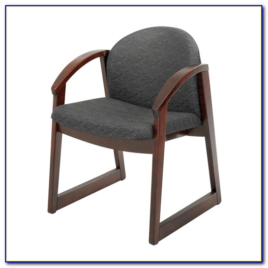 Tufted Side Chair With Arms