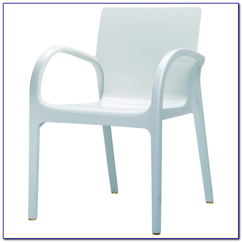 White Plastic Backyard Chairs