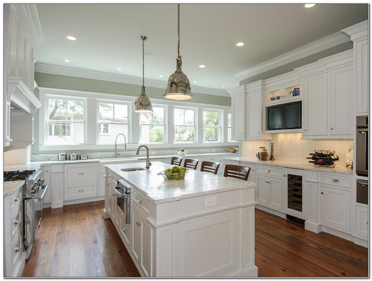 Antique White Painting Kitchen Cabinets
