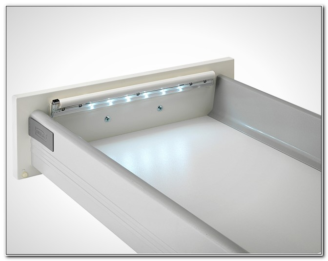 Battery Operated Under Cabinet Lighting Strip