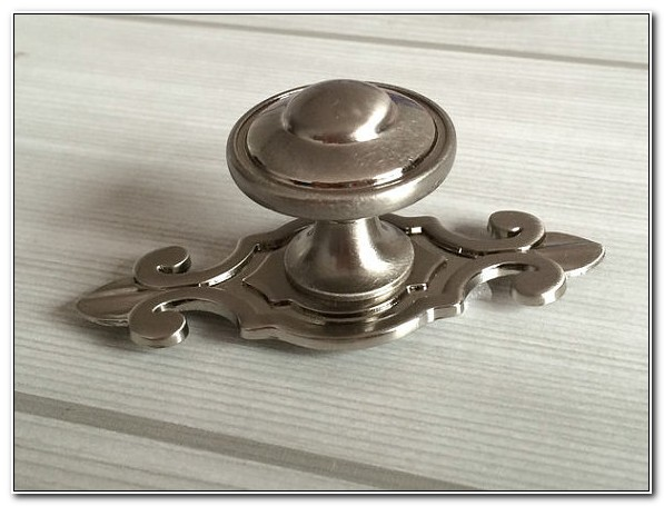 Brushed Nickel Drawer Pulls And Knobs
