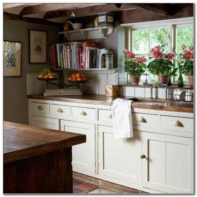 Country Cottage Style Kitchen Cabinets