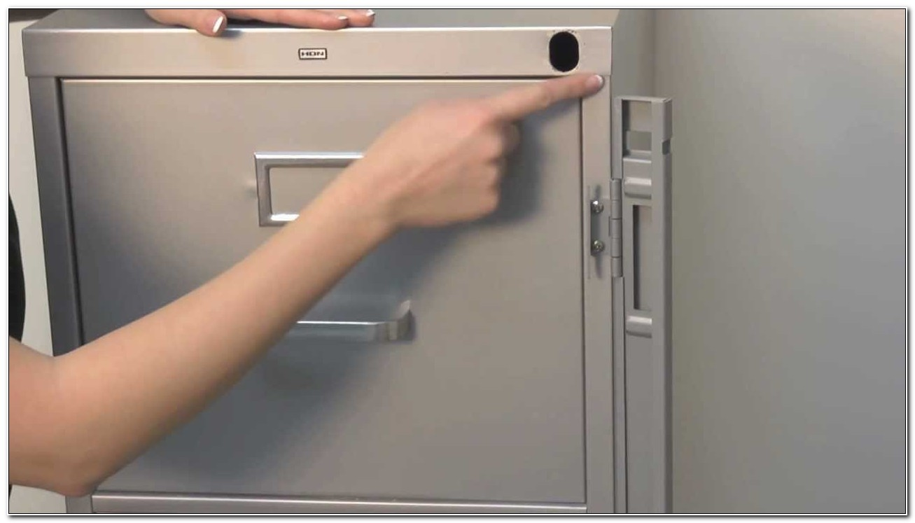 File Cabinet With Locking Bar