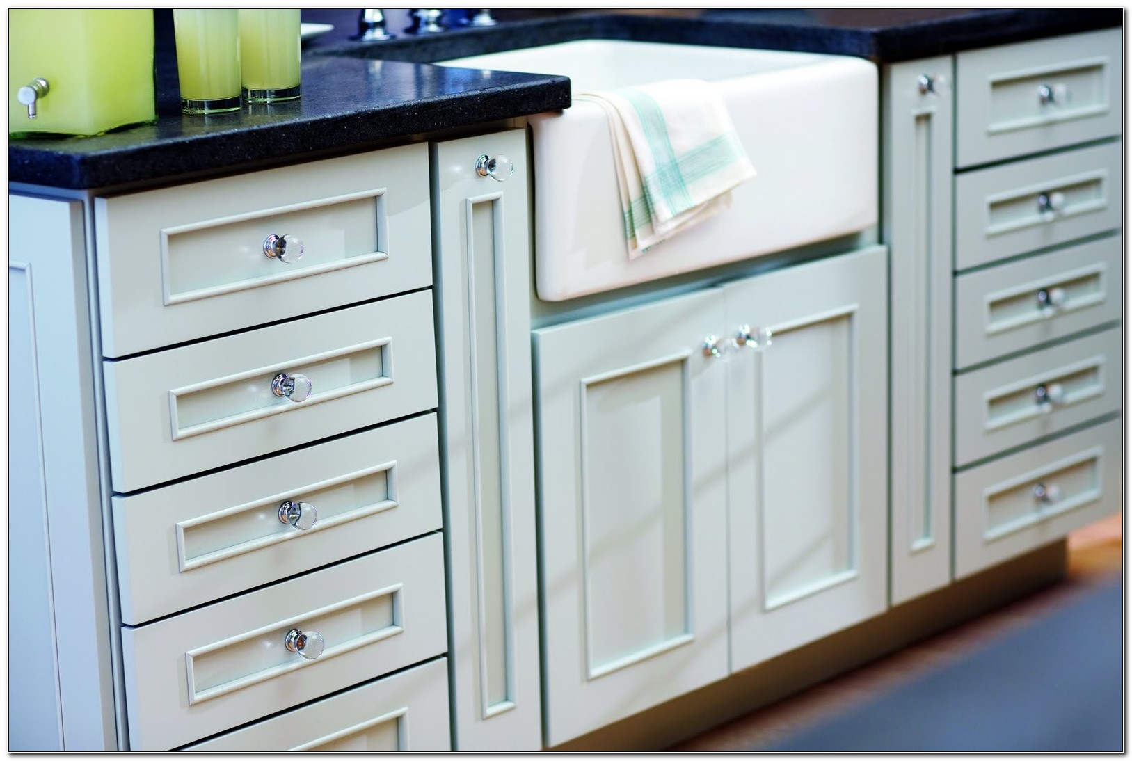 Glass Knobs And Pulls For Cabinets
